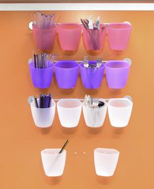 Free Plastic Cups And Dinner Utensils Royalty Free Stock Image - 21296886