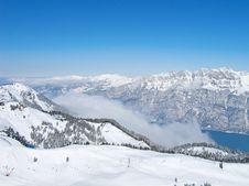 Free Skiing Slope Royalty Free Stock Photos - 21297518