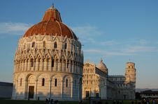 Free The Piazza Dei Miracoli At Sunset, Pisa Stock Image - 21298061