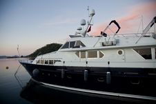 Free Luxury Boat Stock Image - 21298341
