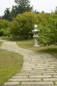 Free The Stone Path And  Sculpture Stock Photography - 21299042