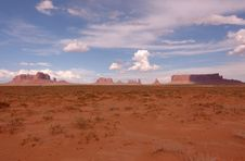 Free Monument Valley In The Distance Royalty Free Stock Photography - 21301017
