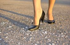 Free Women S Foot Steps On The Glass Royalty Free Stock Photos - 21302238