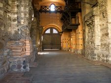 Free Inner Courtyard In An Ancient Castle. Stock Photography - 21303622