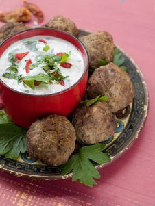 Free Minced Meat Ball Stock Images - 21305484