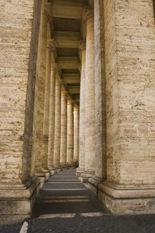 Free Columns By The Vatican Royalty Free Stock Images - 21305579