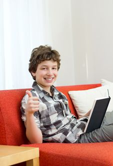 Free Thumbs Up For Reading Stock Photos - 21306463