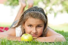 Free Little Girl With Apple Stock Images - 21307634