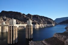 Free Colorado River Flowing Into Hoover Dam Royalty Free Stock Photography - 21311867