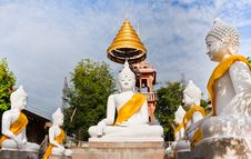 Free White  Buddha Statue Stock Image - 21318211