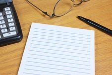 Free Blank Lined Pad On Wood Desk Royalty Free Stock Photos - 21326918