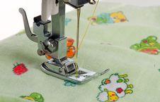 Free Sewing-machine Isolated Stock Photo - 21330570