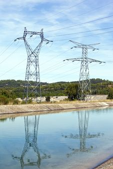 Free Power Lines Above Water Royalty Free Stock Photos - 21338398