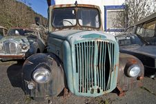 Free Abandoned Truck Royalty Free Stock Photography - 21339817
