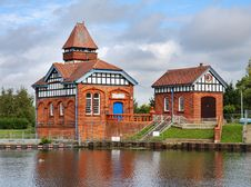 Free Water Treatment Works On The River Thames Royalty Free Stock Photos - 21343368