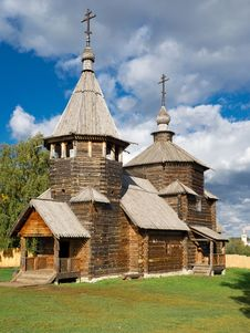 Free The Traditional Russian Wooden Church Stock Images - 21355104