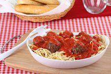 Free Spaghetti And Meat Ball Dinner Stock Photography - 21363242