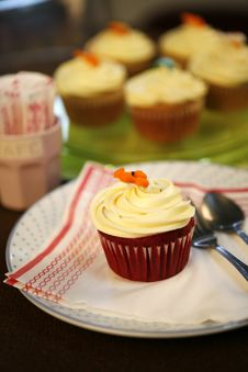Free Cup Cake Close Royalty Free Stock Photography - 21367217