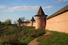Free Kremlin Wall In Suzdal Stock Image - 21373171