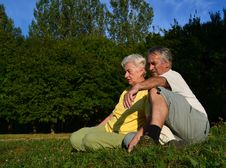Free Retired Couple Relaxing Royalty Free Stock Images - 21376809