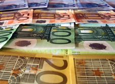 Free Euro Currency Notes Royalty Free Stock Photo - 21378525