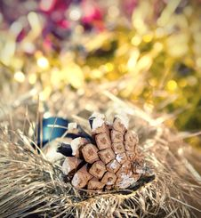 Free Christmas Border With Bauble And Pine Cones Royalty Free Stock Images - 21379469