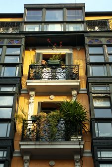 Free Colourful Facades In Bilbao. Royalty Free Stock Photos - 21383598