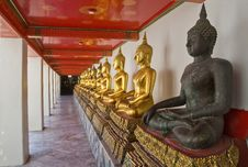 Free Golden Buddha Royalty Free Stock Images - 21384729