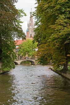 Free Canal And Church Of Our Lady, Bruges Stock Images - 21386014