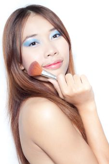 Free Asian Woman With Make Up Brush Royalty Free Stock Photography - 21389987
