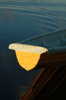 Free Boat On A Lake Royalty Free Stock Photo - 2143175