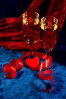 Free Two Glasses Of Champagne Stock Image - 2149441