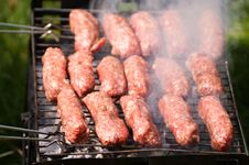 Free Barbecue With Mici Royalty Free Stock Photos - 21404088