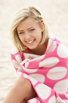 Free Portrait Teenage Girl On Beach Stock Photography - 21404652