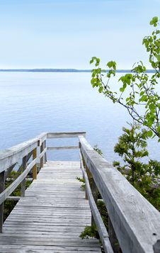 Free Walkway To The Georgian Bay Royalty Free Stock Image - 21420386