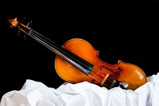 Free Old Wooden Violin Stock Photo - 21420930