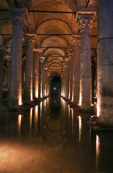 Free Underground Cistern In Istanbul Stock Image - 21423521