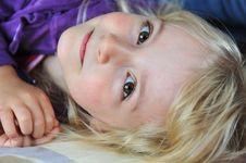Free Little Girl Royalty Free Stock Photos - 21437608