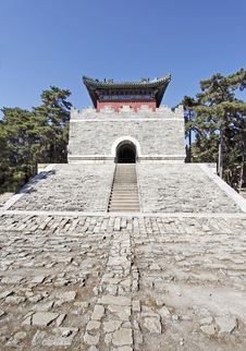 Free Chinese Royal Mausoleum. Royalty Free Stock Photos - 21438218