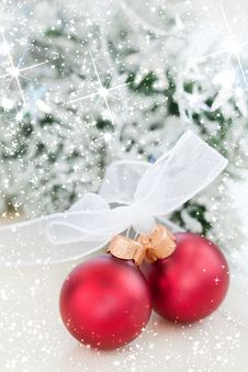 Free Two Decorative Christmas Ball Stock Images - 21446964