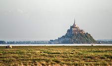 Free Le Mont Saint Michel Royalty Free Stock Photo - 21456765