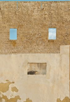 The Face In The Wall In Oasis Vendicari Royalty Free Stock Image