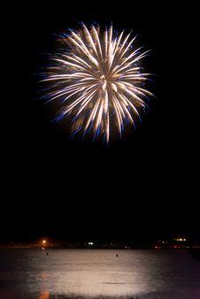 Free Fireworks Burst Royalty Free Stock Photo - 21467015