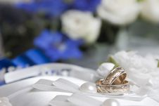 Free Wedding Rings Royalty Free Stock Photos - 21468528