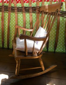 Free Old Wooden Chair Royalty Free Stock Photography - 21477017