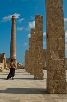 Free Walking Woman On The Ruins On Oasis Vendicari Royalty Free Stock Photography - 21484877