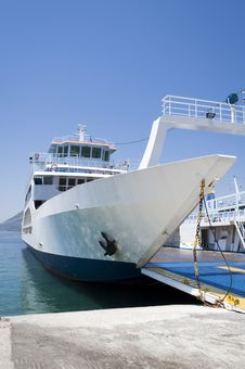 Free Ferryboat From The Front Side Stock Image - 21488401