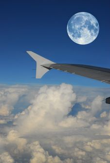 Free Full Moon Flight Royalty Free Stock Photo - 2157805