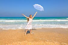 Free Woman On The Beach Stock Image - 21500161
