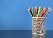 Free Colour Pencils In The Basket Royalty Free Stock Photos - 21510638